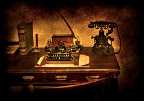 writers-desk-svetlana-sewell